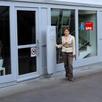 Foto der Geschäftsstelle Würzburg mit Jutta Henzler